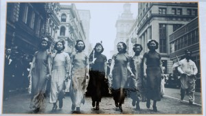 A group of Chinese women dressed in qipao led the march organised by Chinese in New York in 1938 to help raise funds for the war of resistance in China