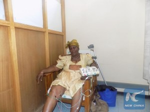 Photo taken on Nov. 4 shows 69-year-old Amalia Nguavava receives her routine treatment at the Chinese Acupuncture clinic in Namibian capital, Windhoek. (Xinhua photo/ Musa C Kaseke)