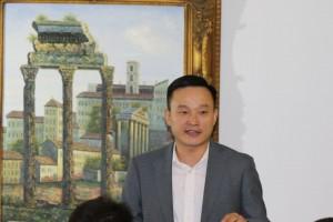 Vice consular general Yang Peidong