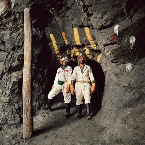 Cadido Matola (L) (loco gang supervisor) and Pikoko Watsha (general worker). 3-level, strata control area, Eastern Platinum Mine. Lonmin (UCT41 F.jpg)