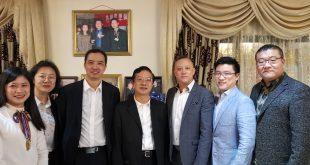 中共厦门市委副书记陈秋雄一行在南非约翰内斯堡会见了南非罗文集团总经理苏德明先生。